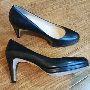 Cole Haan Classic leather platform heel. Size 7